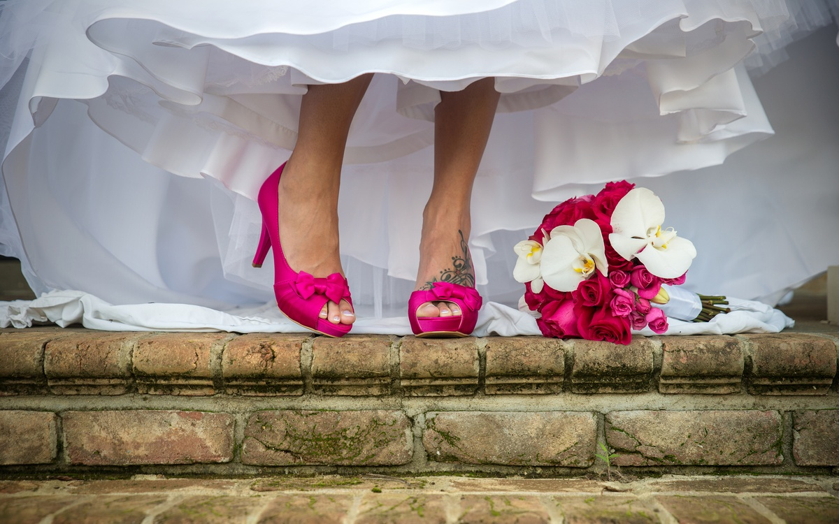 hot pink wedding shoes with boquet